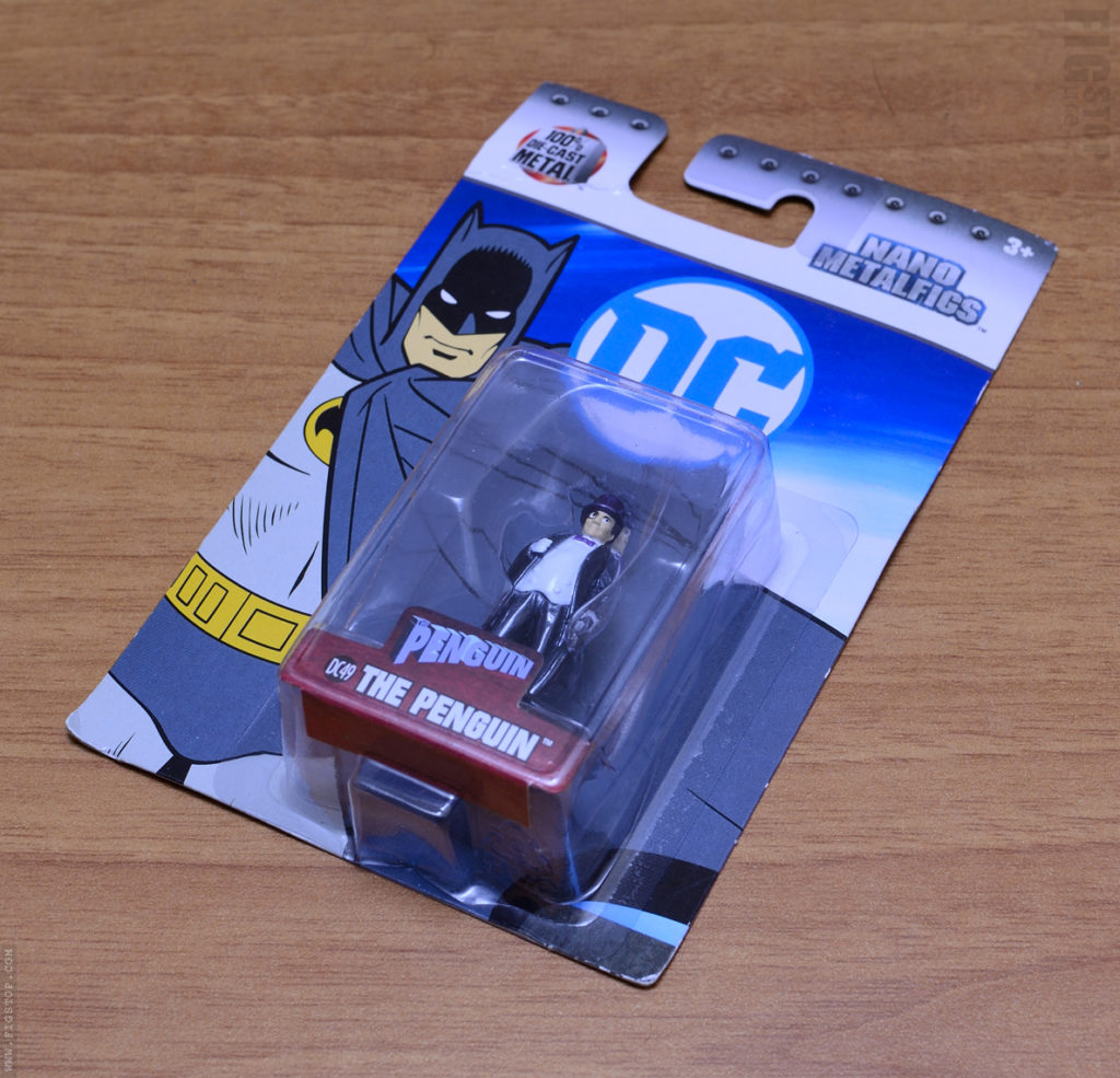 Nano Metalfigs Penguin