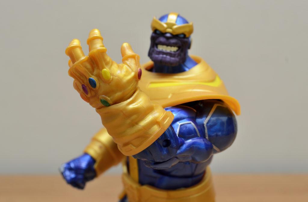 Hasbro Marvel Legends Thanos  Figure - Gauntlet
