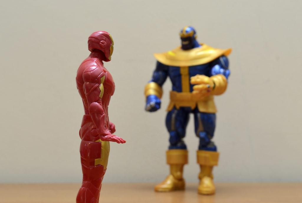 Hasbro Marvel Legends Thanos vs Ironman