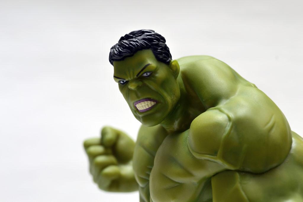 Crazy Toys Hulk Figurine - Face Details