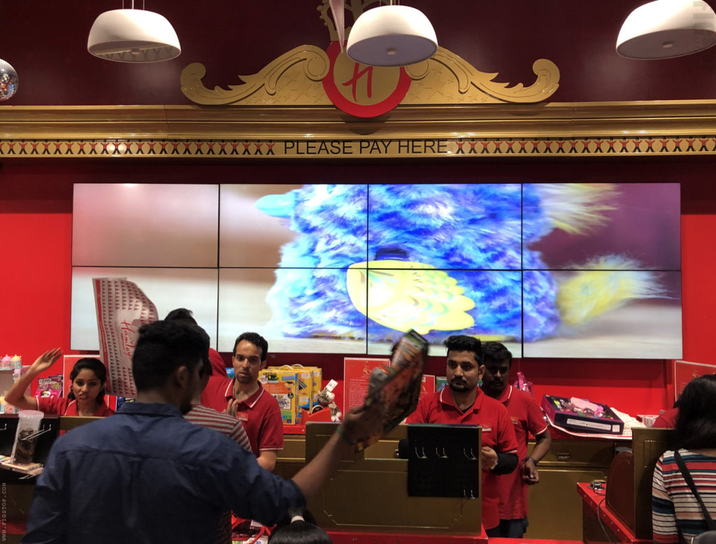 Hamleys 75 Stores Celebration - Action Figures - Transformers Figures - Billing Counter Crowd