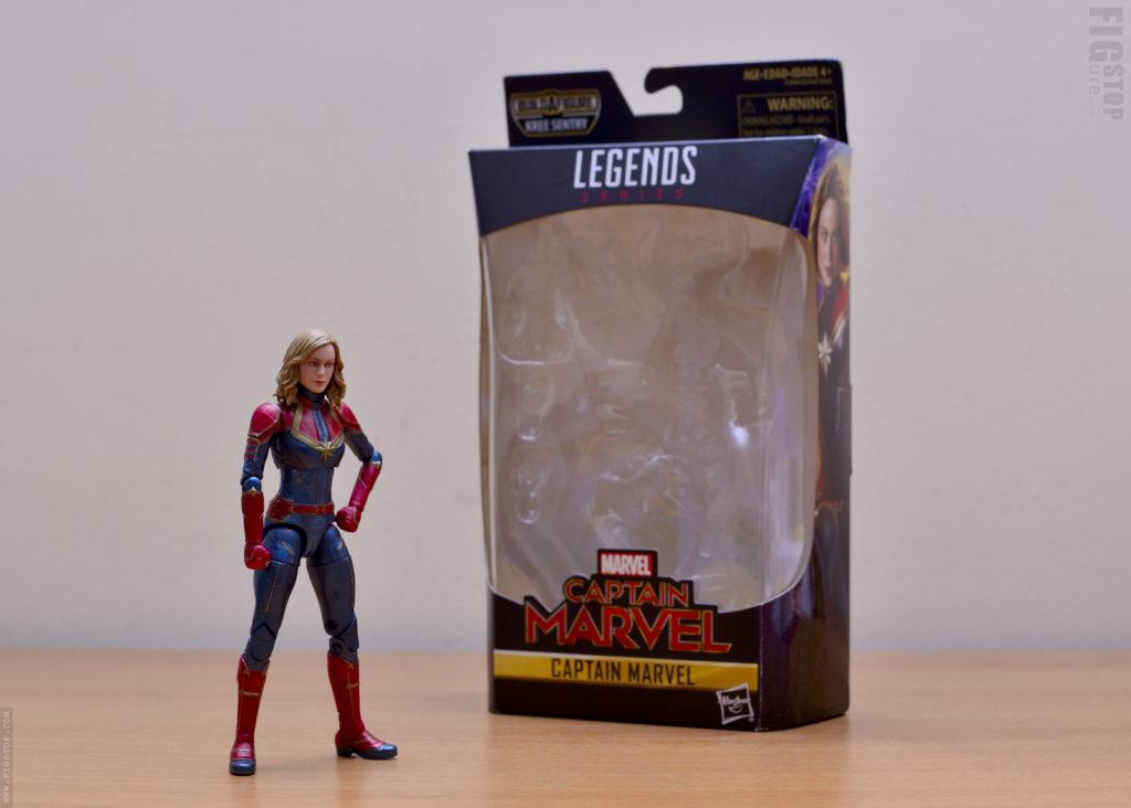Hasbro Marvel Legends Captain Marvel - Unboxed