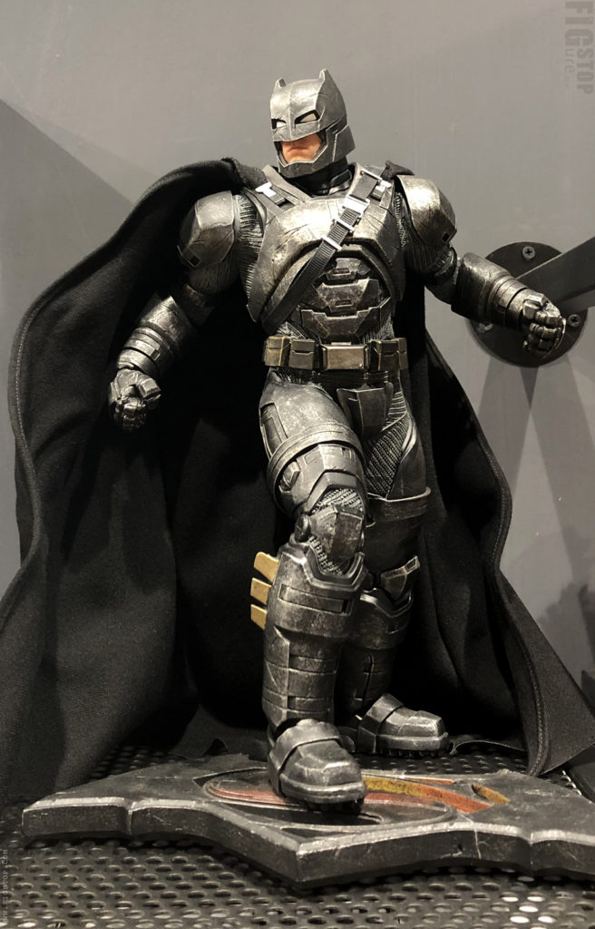 Batman vs Superman - Statue