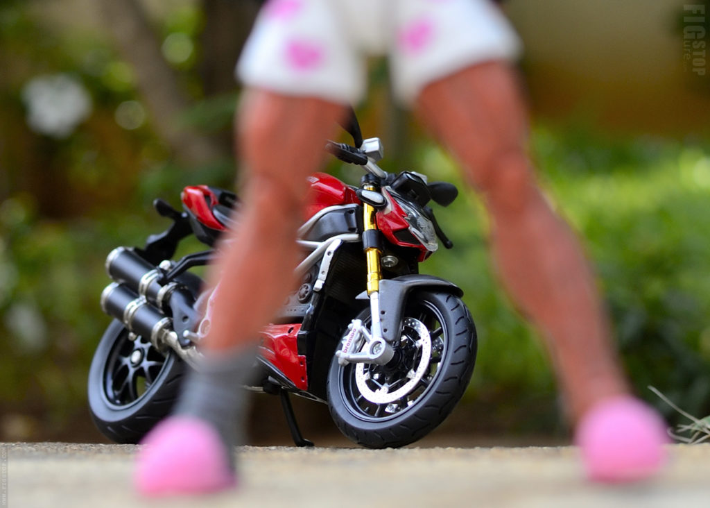 Deadpool Finds a Fast Ducati Streetfighter - Toy Photography