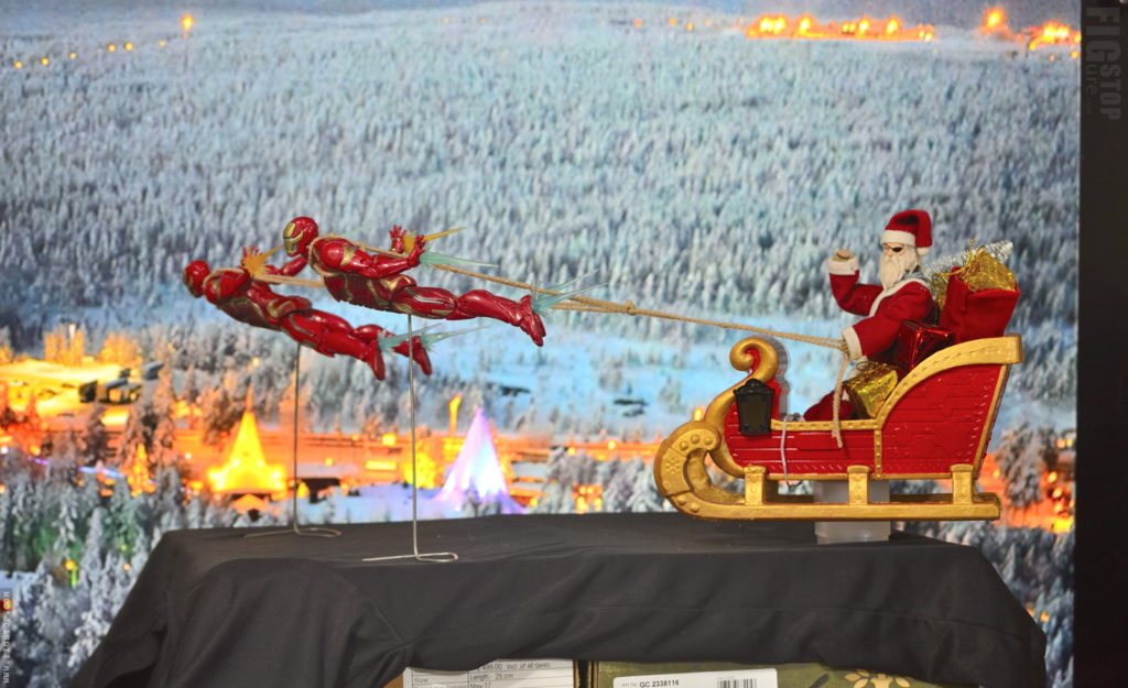 Behind the Scene - Christmas Toy Photos Thor and Iron Man